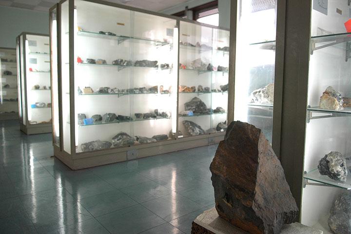 Museu de Jazigos Minerais Portugueses